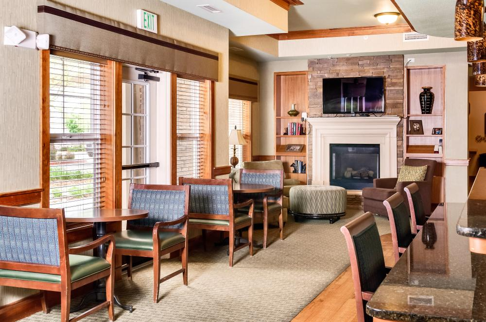Common Room - MacKenzie Place Retirement Community Fort Collins