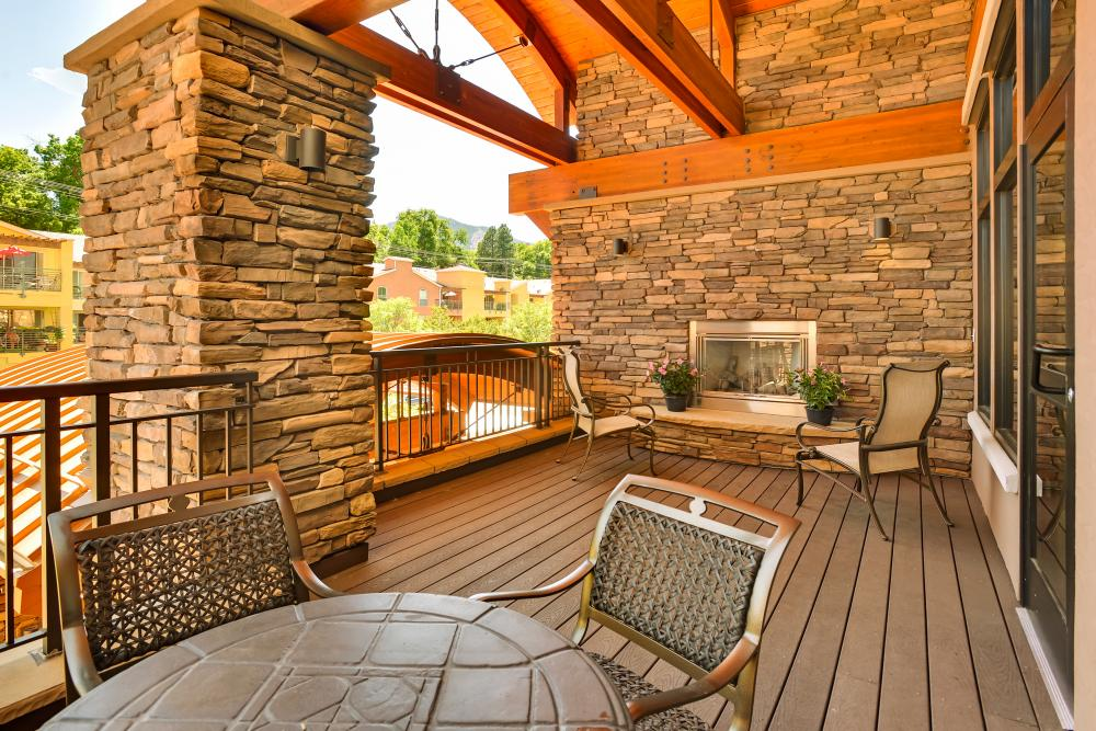 Patio - The Carillon at Boulder Creek Senior Living
