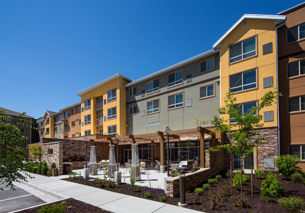 Exterior View - Treeo Senior Living in Orem